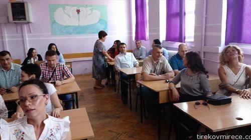 Премиерот Зоран Заев на класен час по повод 25 години од матура во гимназијата Струмица