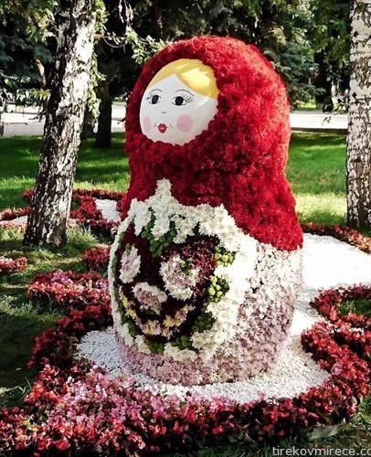 бабушка изработена од цвеќе, мејд ин Русија