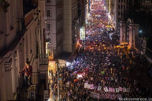 Во Истанбул илјадници жени на улица во борбата за женските права на 8 ми март