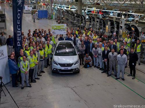 Произведено е милионското возило пежо 2008