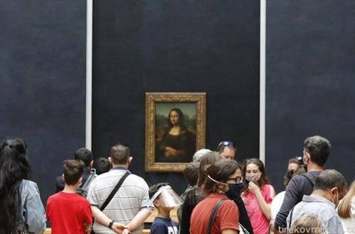Лувр повторно отворен за посетители, гужвата е пред сликата на Мона Лиза