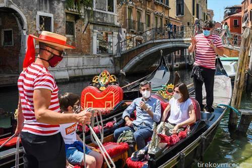 туристите се вратија во Венеција