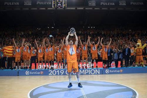 кошаркарите на Валенсија се освојувачи на Евро купот