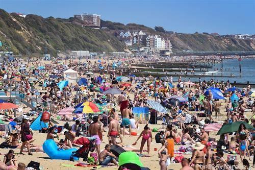 плажата во англискиот град бурнмаут