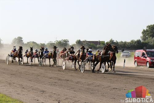 коњички трки cо запрега  во Суботица