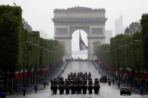 денот на победата 9-ти мај во Париз