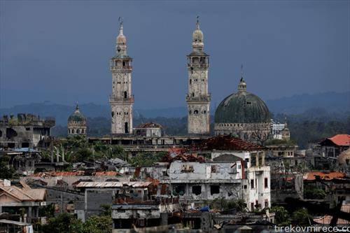 Марави некогаш беше еден од најживописните градови на Филипините, уништен по нападите на про муслиманските сили