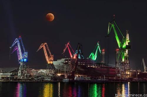 затемнета месечина и бродоградилиштето во Пула