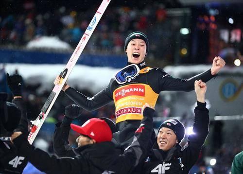 Јапонецот Кобајаши победи на новогодишанта туркенја четири скокалници со сите четири победи, што е реткост