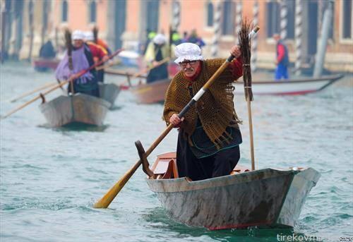 карневалска трка во Венеција