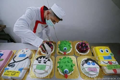 торти во слаткарница во Палестина
