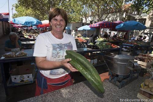 колку долги краставици, на пазар во Сплит