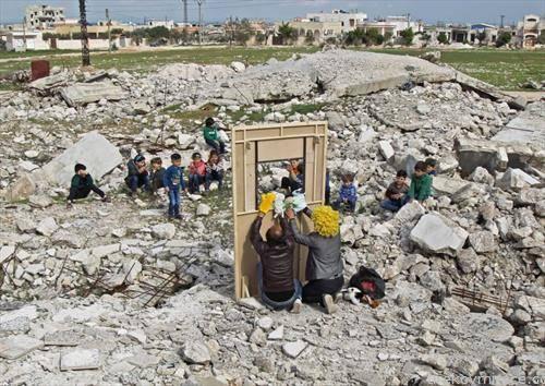 куклен театар за децата од сириски разрушен град