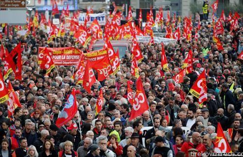 протести во Париз, народот излезе на улица