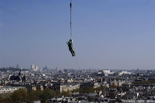 се реконструира црквата нотрдам во Париз