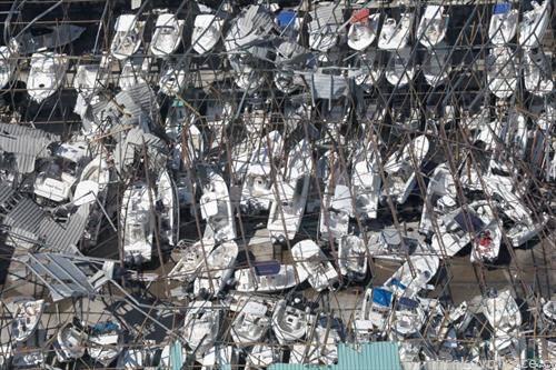 уништени чамци по невремето во Флорида