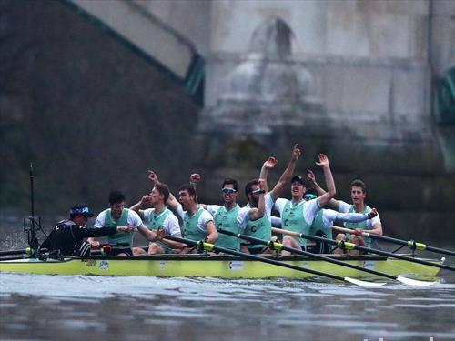 лаекипажот на Универзитетот Кембриџ победи во 164-та трка на Темза против Оксфорд кој води со 83 на 80
