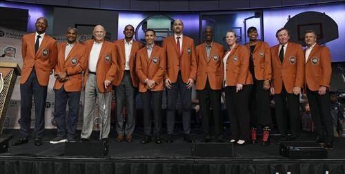 нови 11 кошаркари во Куката на славните