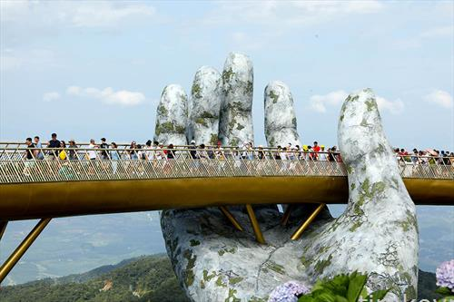златниот мост во Виетнам