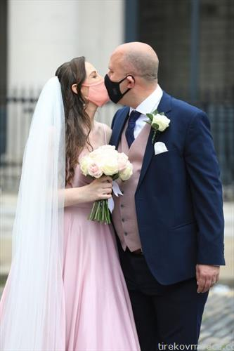 ирски пар по венчавка