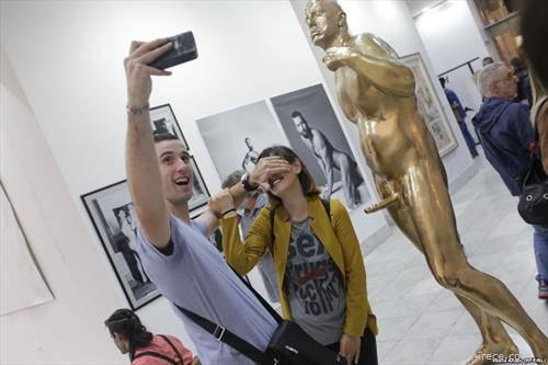 изложба на костими во белградски музеј, насловена ,,како ја креиравме историјата,,