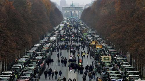 протести на фармерите во Берлин Германија