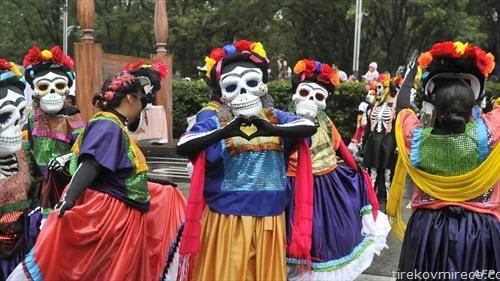 денот на мртвите во Мексико сити