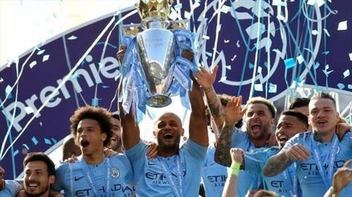 фудбалерите на Манчестер сити се прваци на Англија