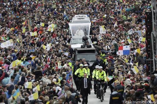 Папата Франсис стаса во Даблин Ирска