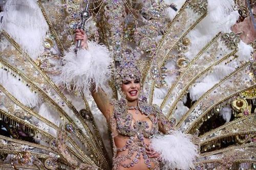 Кралицата на фестивалот во Тенерифе