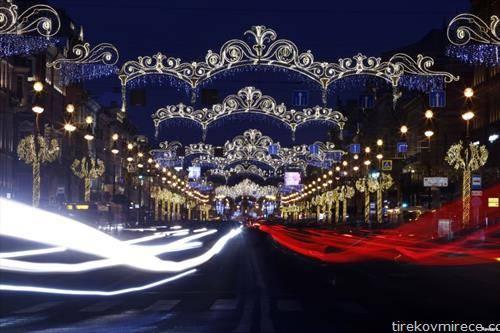 Санкт Петербург новогодишно украсен