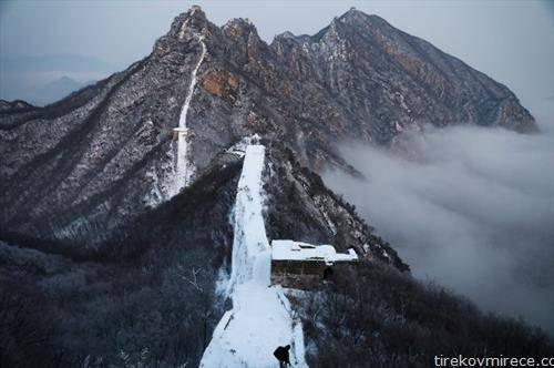 Кинескиот ѕид под снег