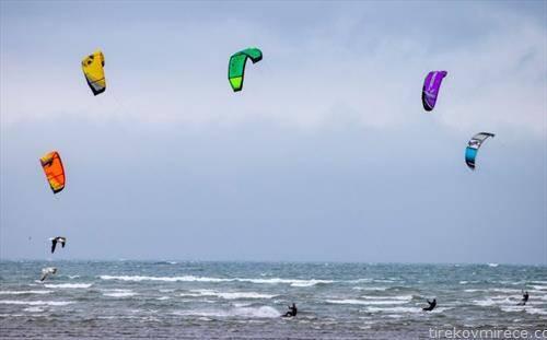 сурфери на ветер, близу Даблин