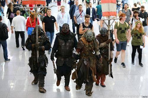 учесници на саем на компјутерски игри во Германија