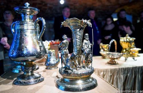 семејно богатство на руска аристократска фамилија откриена 2012 година прв пат изложени на јавноста