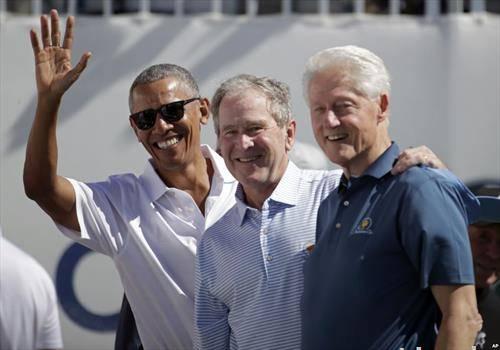 бивши американски претседатели клинтон, буш и обама на американки фудбал