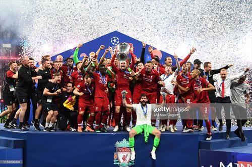 фудбалерите на Ливерпул со победници на Лигата на шампионите