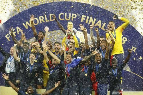 Франција е нов Светски првак во фудбал