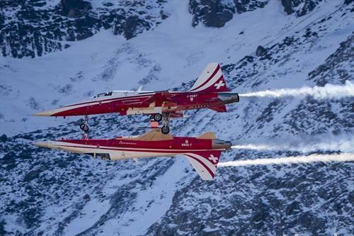 аеро акробација на швајцарската авијација