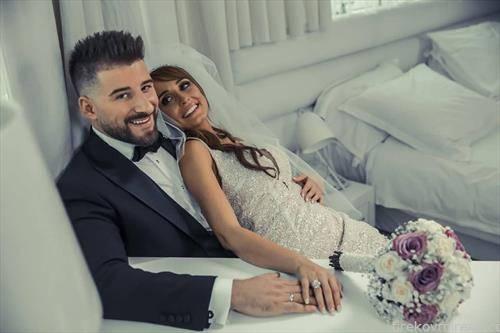 на вечна љубов се заколнаа  пејач Јоце Панов и неговата избраничка Марина Нацевска.