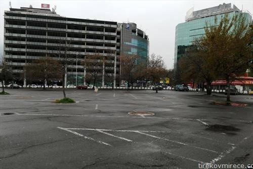 Празен и најголемиот паркинг воСкопје