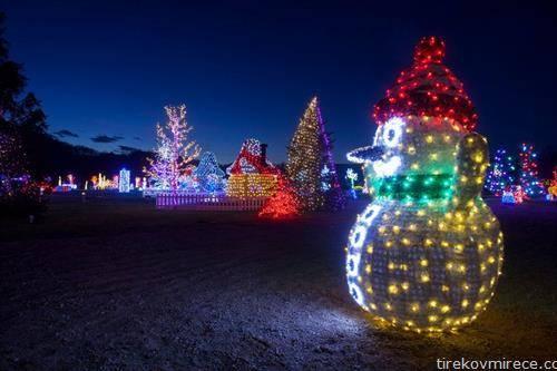 два милиони светилки го осветлија домот на Хрватот Салај, со години наназад привлекува гости