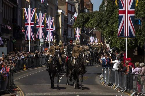 коњаницата на венчавката на принцот Хари