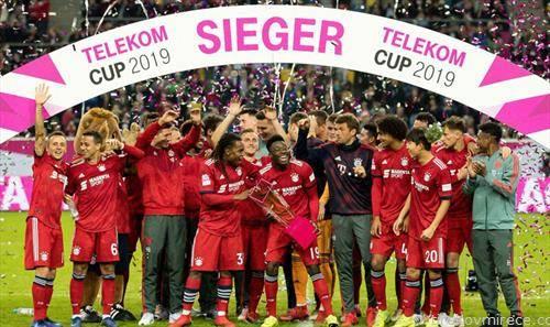 барен Минхен го освои германскиот куп а претходно и првенството, со двојна круна