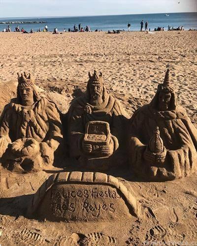 умешност со песок, трите крала во фигури  на плажа  -Барселона