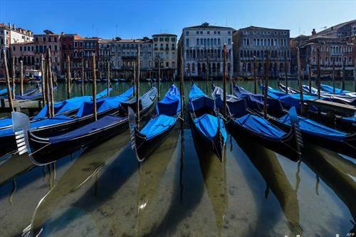 гондолите во Венеција, нема кој да ги користи