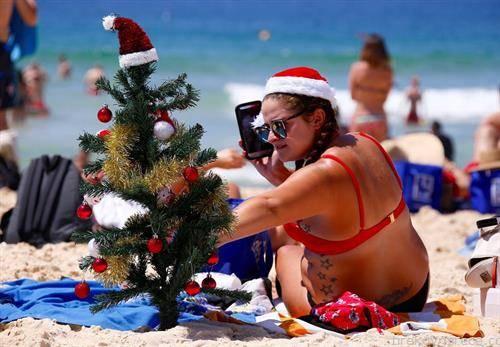 за Нова година на плажа во Сиднеј