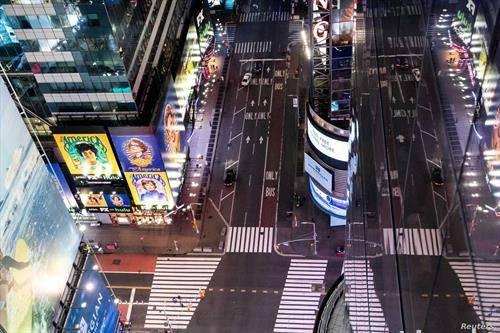 празни улици во њујорк тајм сквер