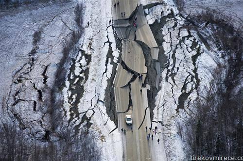 автопатот на Алјаска по земјотресот