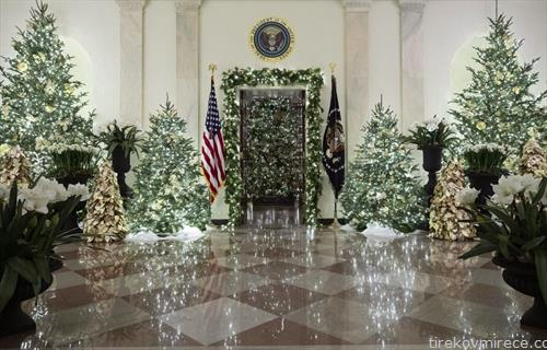 новогодишно украсена Белата куќа, ја краселе  225 волонтери